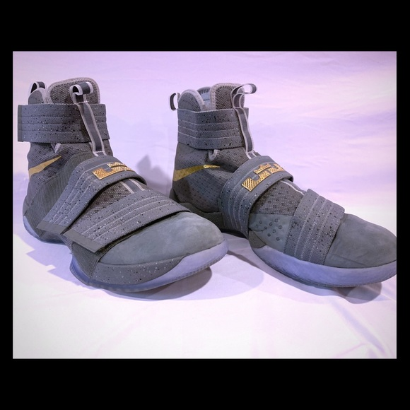 newest collection d98c8 0d6a7 Lebron James Soldier 10 Sneakers